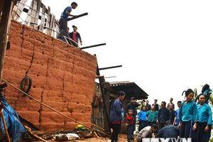 Dông lốc kèm theo mưa đá gây thiệt hại nặng ở tỉnh Hà Giang
