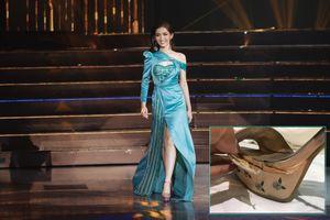 Nhật Hà diện váy xanh, mang giày tím 'lạc quẻ' tại MIQ và sự thật khiến các fan xót lòng!