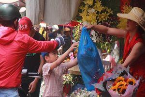'Sập mạng' vì quá nhiều người mua hoa ngày 8-3