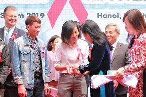 Việt Nam đi đầu trong sử dụng BHYT hỗ trợ điều trị HIV
