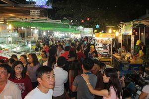 Giữ chân du khách bằng chợ đêm