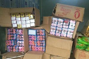 Hải quan Móng Cái tiêu hủy lô 46 kiện bánh kẹo nhập lậu