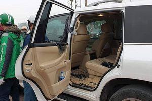 'Ngụy trang' lái xe Grab, thanh niên 8X đập kính Lexus trộm đồ hàng trăm triệu