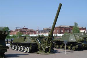 Quân đội Nga thục luyện sử dụng súng cối và pháo bắn đạn hạt nhân