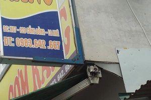 Giữa Hà Nội nhóm giang hồ nổ súng đòi tiền bảo kê quán