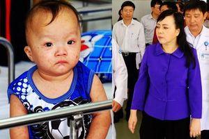 Bộ trưởng Y tế thị sát dịch sởi tại TP.HCM, cảnh báo các bà mẹ nên chích ngừa để đảm bảo an toàn