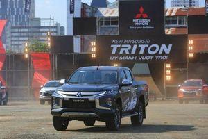 Mitsubishi Việt Nam giảm giá Outlander và bán tải Triton