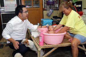 Ứng viên tìm đủ cách thu phiếu bầu trước 'giờ G' bầu cử Thái Lan