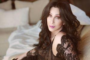 Bí quyết để có thân hình nóng bỏng và trẻ đẹp của ca sĩ Cher ở tuổi 73