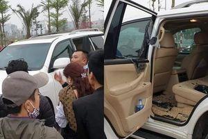 Hà Nội: Nam thanh niên táo tợn đập kính ô tô Lexus 570 trộm cắp tài sản