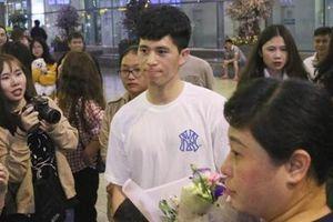 Đình Trọng tỏa sáng với 1 chiếc áo, về nước sau dưỡng thương ở Hàn