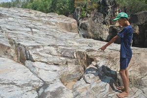 Giải mã hòn đá Chữ ở Bình Định