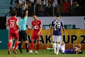 Làm ảnh hưởng kết quả trận đấu, một loạt trọng tài V-League bị treo còi