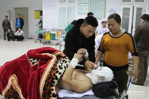 Tích cực điều trị cho 6 ngư dân sau vụ nổ bình gas trên tàu cá