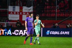 Arsenal vs Manchester United: Chủ nhà run rẩy