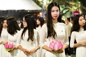 Tôn vinh phụ nữ Việt, quảng bá văn hóa truyền thống