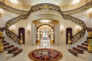 Điểm danh 11 giao dịch bất động sản có mức giảm hàng triệu USD
