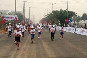 Quảng Ngãi: 5.000 người tham gia 'Gia đình chạy vì tương lai'
