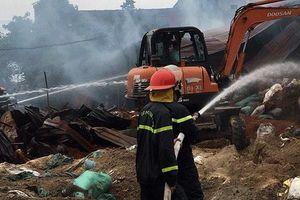 Dập tắt đám cháy tại huyện Việt Yên