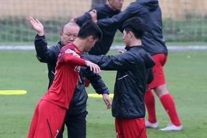 U23 Việt Nam thiếu quân, HLV Park Hang-seo đau đầu với... AFC Cup