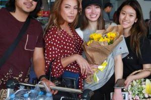 Nữ ca sĩ cầu hôn 'phi công trẻ' kém 12 tuổi trên sân khấu trở lại VN
