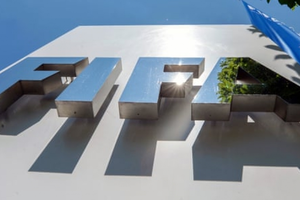 Anh hối thúc FIFA 'đóng băng' các khoản thanh toán từ Qatar và mở điều tra về thỏa thuận 'đi đêm' đăng cai World Cup 2022