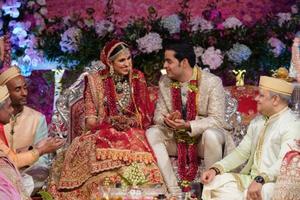 Choáng ngợp đám cưới xa hoa của con trai tỷ phú giàu nhất châu Á