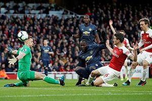 Arsenal 2-0 Man Utd: Lukaku mất duyên, 'Quỷ đỏ' bị đá văng khỏi Top 4
