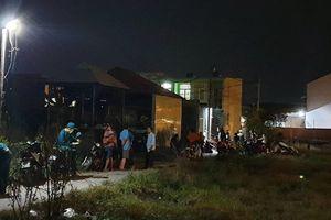 Cảnh sát khám nghiệm hiện trường 9X thảm sát 3 người thân ở Sài Gòn