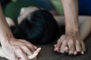 Gã trai dụ thiếu nữ 16 tuổi lên sân thượng chung cư rồi dùng vũ lực cưỡng hiếp