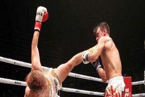Thần đồng kickboxing Nhật Bản tung cú đá hạ gục đối thủ