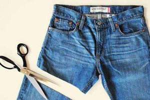 CLIP: 23 mẹo 'biến' quần áo cũ trở nên mới mẻ hơn