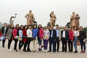 Giáo dục truyền thống lịch sử, văn hóa qua các chuyến đi thực tế