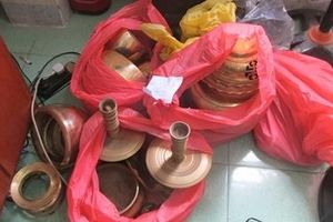 Bắt nhóm đối tượng chuyên trộm cắp tài sản trong chùa