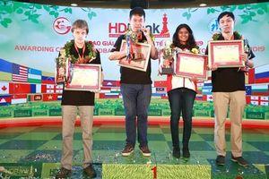 Hòa nhanh kỳ thủ đồng hương, Wang Hao vô địch giải cờ vua HDBank 2019