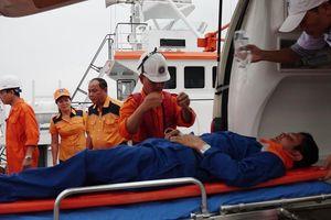 Kịp thời cứu nạn thuyền viên nguy kịch trên biển
