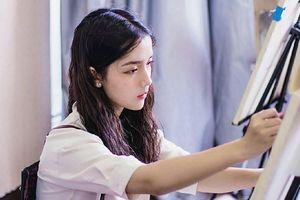Nữ sinh 18 tuổi thu hút chú ý vì ngoại hình cực giống Địch Lệ Nhiệt Ba