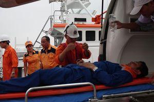 Cứu kịp thời ngư dân Quảng Ngãi nguy kịch ở Hoàng Sa