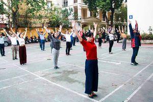 Tập thể dục giữa giờ làm việc: Hoạt động thiết thực