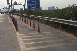 Đoạn bê-tông ở đường dẫn cao tốc gây chết người đã thay bằng cọc tiêu