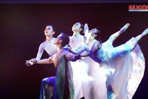 'Sắc màu vũ điệu' qua bàn tay biên đạo múa Yoo-Oh Chun