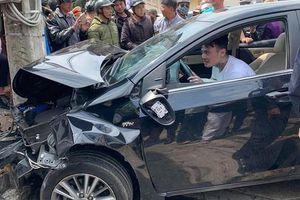 Thanh niên nghi 'ngáo đá' gây tai nạn liên hoàn khiến nhiều người hoảng loạn