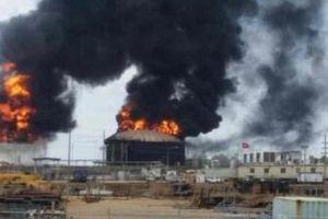 Nổ lớn tại nhà máy xử lý dầu thô nặng của Venezuela, khói nghi ngút