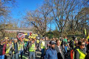 Tin giả về người biểu tình 'Áo vàng' lan nhanh kỷ lục trên Facebook
