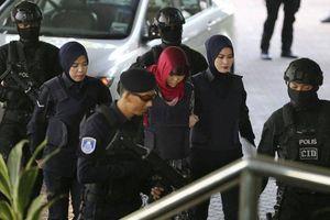 Bố mẹ Đoàn Thị Hương nói gì sau khi tòa án Malaysia từ chối thả con gái?