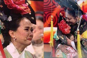 Dàn diễn viên 'Hoàn Châu Cách Cách' khóc nức nở ngày tái ngộ