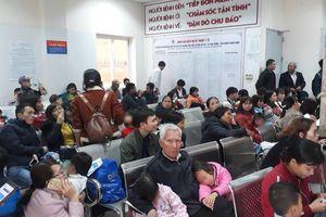 Nghi ăn phải thịt lợn nổi đầy hạch trắng, 400 trẻ mầm non Bắc Ninh xuống Hà Nội xếp hàng xét nghiệm sán lợn