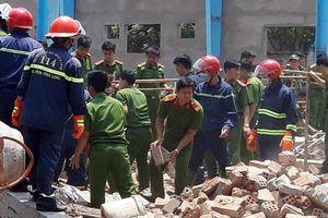 Cận cảnh hiện trường tan hoang vụ sập tường ở Vĩnh Long khiến 5 công nhân thiệt mạng