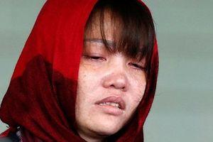 Suy sụp sau cú sốc tại phiên tòa, Đoàn Thị Hương được chuyển tới bệnh viện