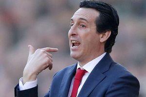 Arsenal ngược dòng ngoạn mục, HLV Emery ca ngợi trò cưng